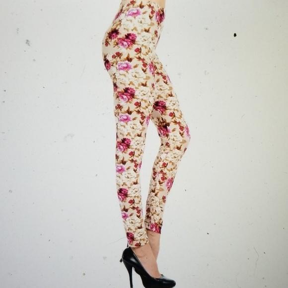 ⚠️LAST 1⚠️Pearly Spring Leggings